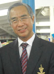 Photo of Dr. Vallop Suwandee